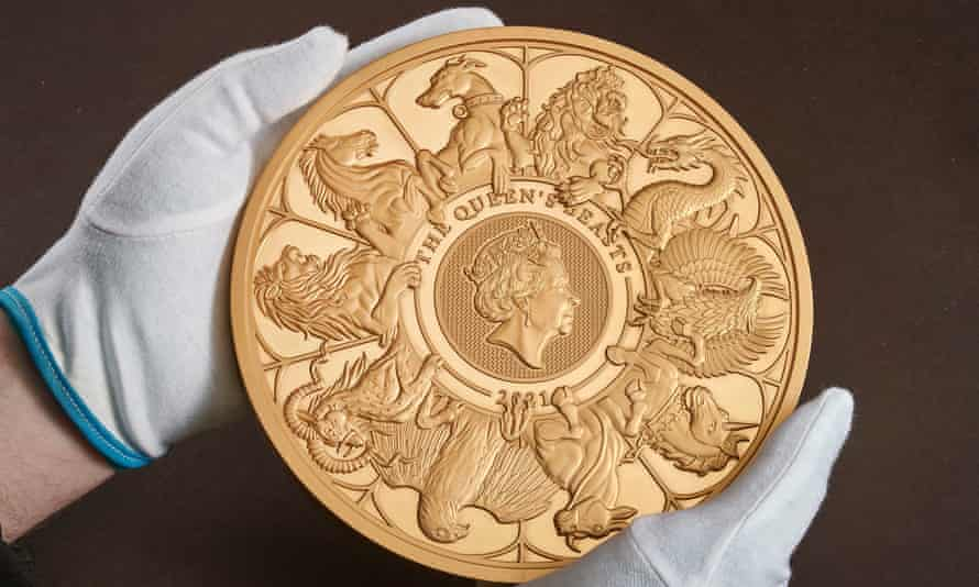 The Queen's Beasts coin weighs 10 kg - London Airport Transfers
