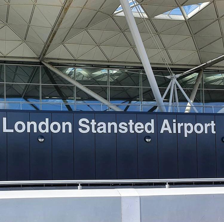 Transfer from Stansted Airport to Biggin Hill - London Airport Transfers