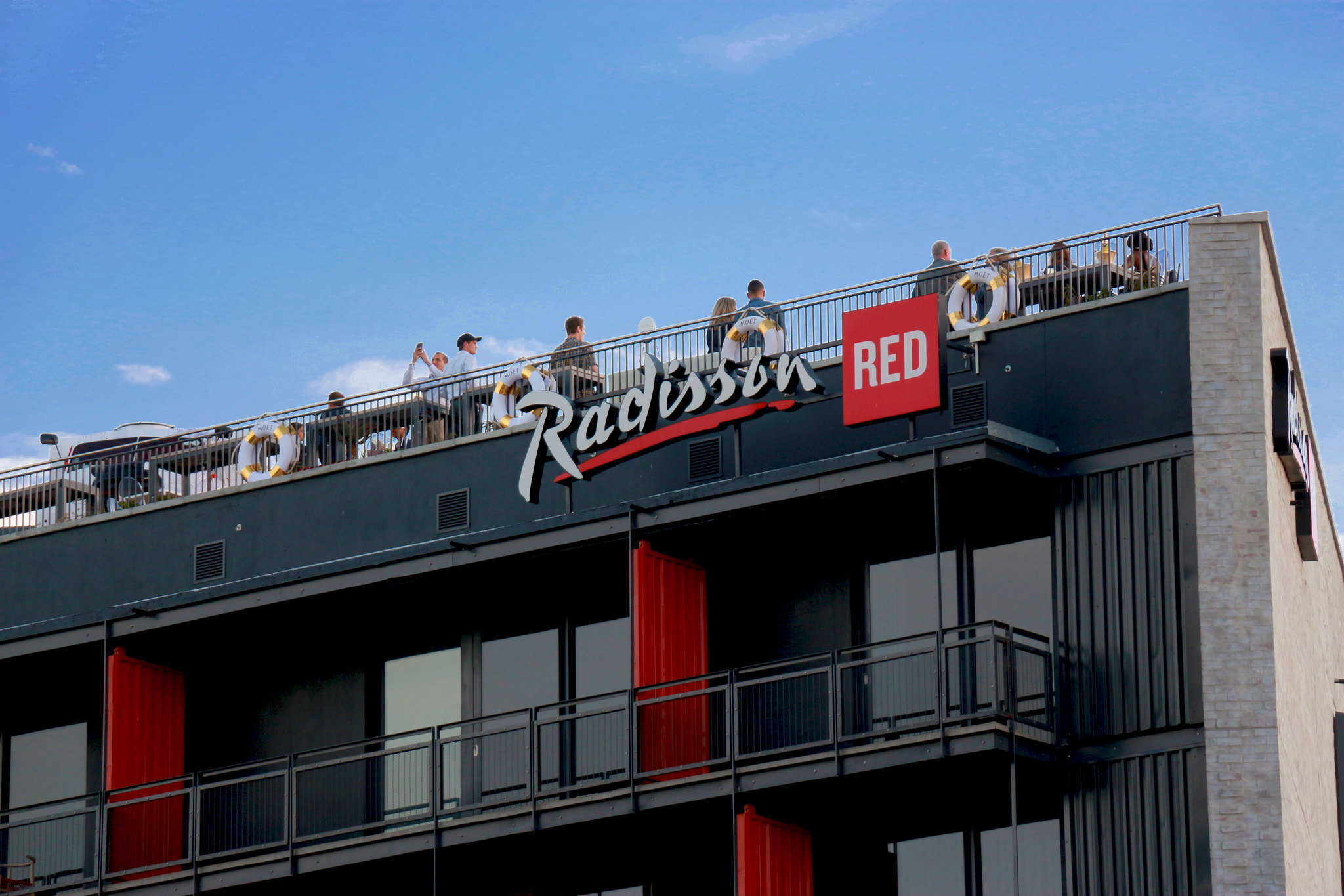Radisson Red brand in southeast London - London Airport Transfers