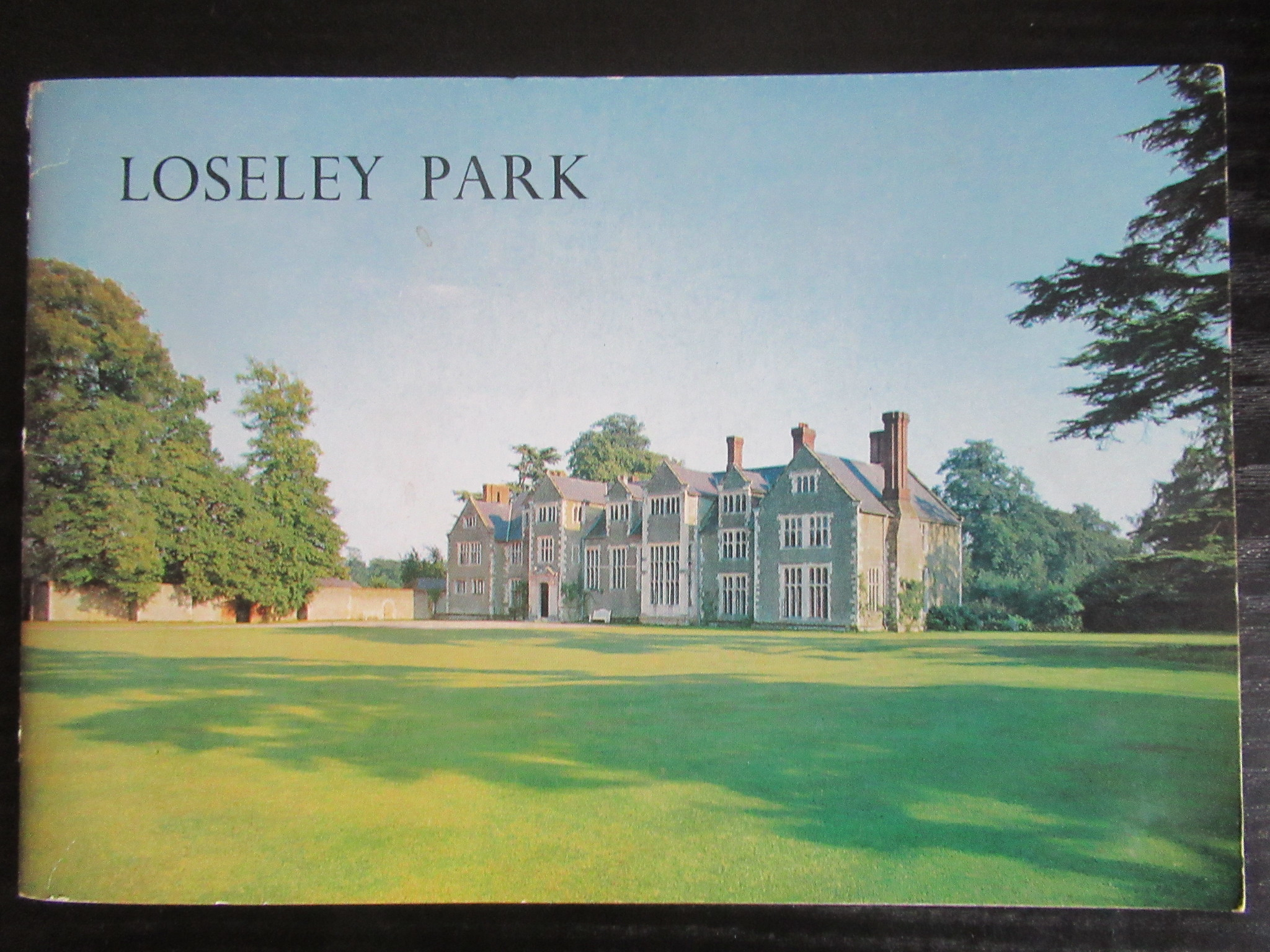 The doors of Loseley Park gardens re open - London Airport Transfers